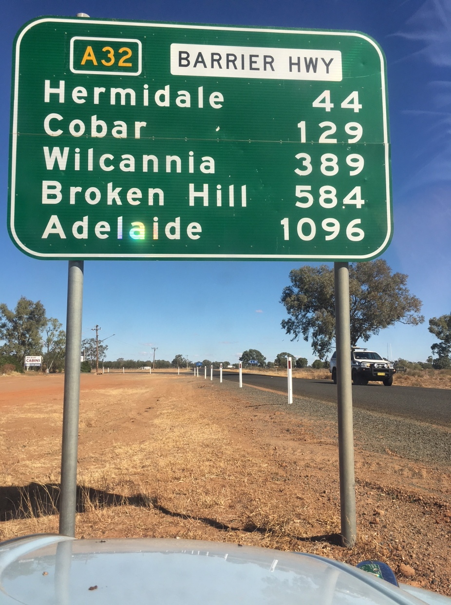 Road sign cobar Adel